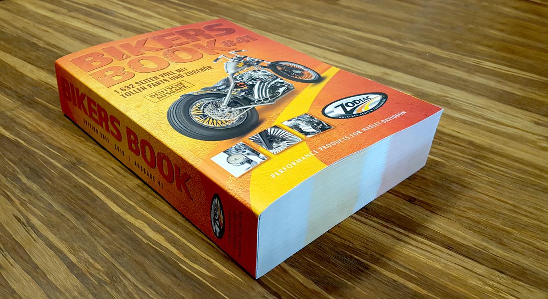 Zijaanzicht van het dikke Bikers Book voor onze klant Zodiac