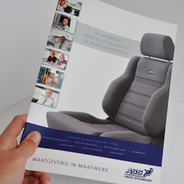 Voorkant van de ontworpen brochure voor ASS Autostoelen