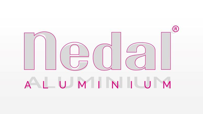 Pentekening van oude en nieuwe logo voor Nedal Aluminium over elkaar heen