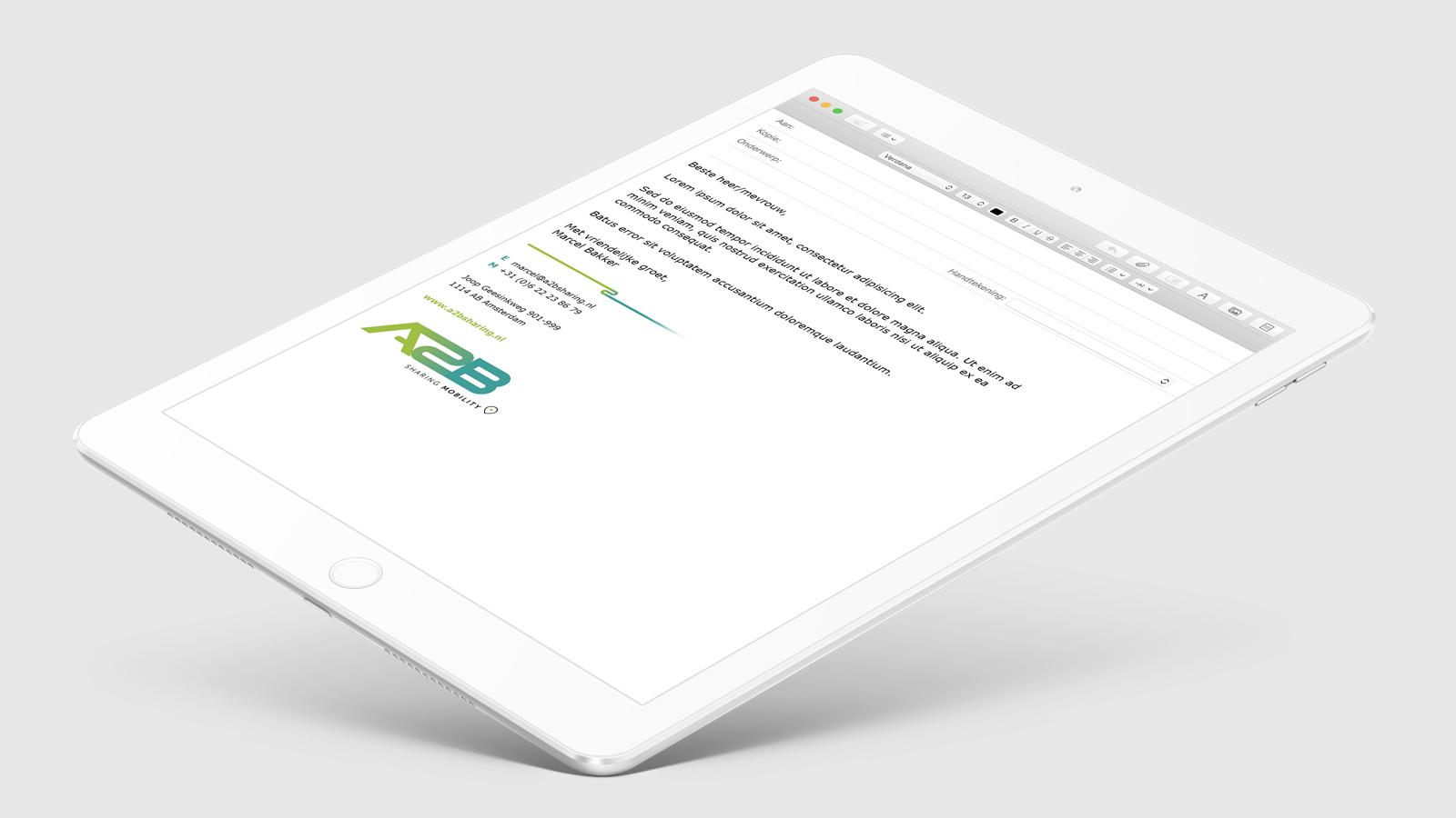 Email-handtekening van A2B Sharing getoond in een Ipad