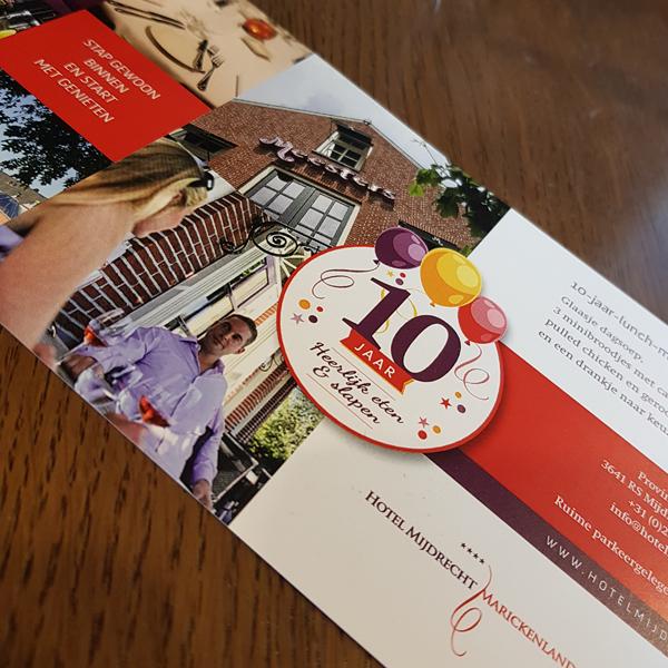 Lunchkaart voor 10 jarig jubileum van het hotel