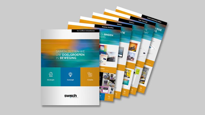 Waaier van diverse Switch leaflets met creatieve diensten op een grijze achtergrond.