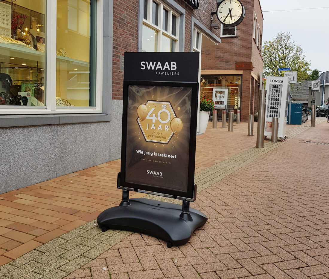 Swaab juwelier 40 jaar - stoepbord